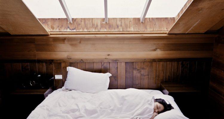 Warme Slaapkamer Koelen : Hoe hou je je slaapkamer koel tijdens warme nachten u woondetective